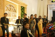 The Wedding Of Dewi & Narendra by TAMAN MUSIC ENTERTAINMENT