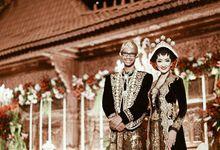 Resepsi Pernikahan Kinanti dan Yoga - Adat Jawa by D'soewarna Planner & Organizer
