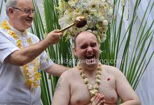 Javanese Wedding Ceremony by Bali Izatta Wedding Planner & Wedding Florist Decorator