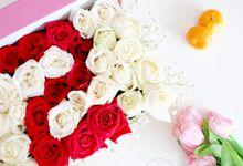 Flower in a Box Arrangement by Roseveelt Florist