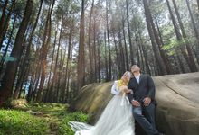 Prewedding Hijab Outdoor by VANES PHOTOGRAPHY