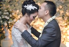 Diah & Inu Wedding by Suryopras Photography