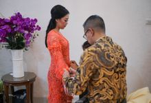 Wenty & Putra Engagement by SVARNA by IKAT Indonesia Didiet Maulana