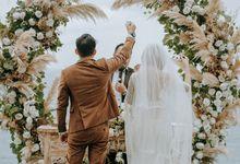 Ugir & Mutiara Wedding Decoration by Rhea Floris by KAMAYA BALI