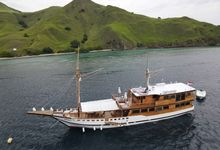 Honeymoon Trip Aboard Luxury Phinisi Yacht by The Luxury Voyage