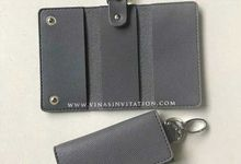 Souvenirs Driver license holder & Keychain by Vinas Invitation