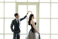 Dancing like Nobody's watching ❤ by Gorgeous Bridal Jakarta