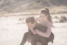 Aldi & Windy Bromo Prewedding Session by Écru Pictures