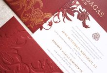 Javanese Maroon by Trouvaille Invitation