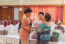 Priska & Marvin Lamaran Adat Karo by Monokkrom