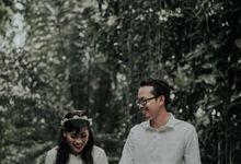 Yuli and Faudji Prewedding by Koncomoto