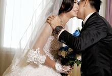 Putra & Anggreni by GlowCreations