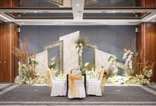 INTIMATE WEDDING @MERCURE CIKINI by GLORIOSA DECORATION