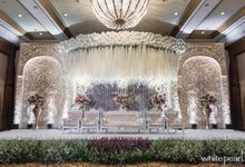 Crowmne Plaza 2018 07 07 by White Pearl Decoration