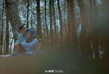 Prewedding Enggal & Henny by AHR Studio