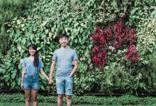 Couple photoshoot at Singapore Botanic Gardens by The Picture Bandits