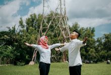PRE-WEDDING/COUPLE SESSION by PoetretPicture.id