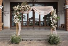Tommy And Elizabeth Wedding At Batavia Marina by Fiori.Co