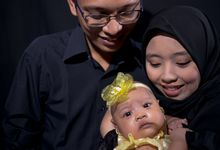family photo by Aproject Photography Jogja