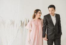 Preweddingof Fahmi & Suci - Studio by Écru Pictures