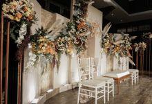 Sunardi & Stefanny Wedding At Suasana Restaurant by Fiori.Co