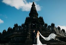 Honeymoon in Bali by Mariyasa