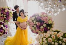 Silvi Maternity Portrait by Motoinc Studio