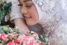 From Prewedding Leni & Ridwan by VTERPHOTOGRAPHY