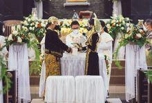 Intimate Wedding Natasha & Timi by Weddingscape