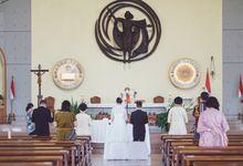 Intimate wedding session of  Yovita & Lewi by Weddingscape