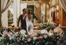 Aleksey and Stephany's garden elopement in Bali by WedBali