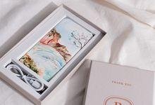 Custom Hardbox Packaging by PORTÉ by Clarin
