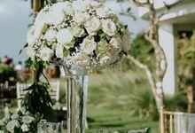 Beauty In White by Bali Flower Decor