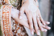 Bridal party of Novi by Mata Zoe