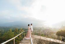 Prewedding Story of Yos & Cindy by Lavie Portrait