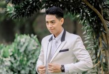 The Wedding Of Melly & Wisnu by alienco photography
