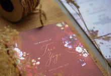 Tari & Yogi - Mirror Wddingcard with Burgundy Theme by Jogja Wedding Net