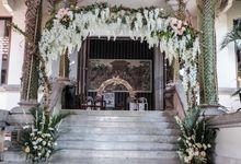 dedy and dea wedding by Bali Flower Decor