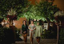 More of Javanese Wedding of Agung & Nandita 24 Februari 2018 by Menara Mandiri (Ex. Plaza Bapindo) by IKK Wedding