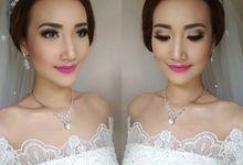 Litlle Blush Wedding Makeup by Oscar Daniel