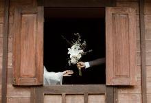 The Wedding of Putri & Adi di Pendopo Uti by Decor Everywhere