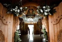 The Wedding of Putri & Adi di Pendopo Uti by Decor Everywhere