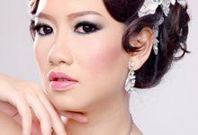 Portfolio Photoshoot by Feliana Osadi Makeup Artist and Hairdo