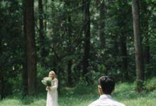 The Prewedding of Yuni and Cahyo by byasa photo