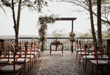 Burgundy Wedding Decoration by Bali Izatta Wedding Planner & Wedding Florist Decorator