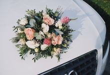 Because Bridal Cars Need to Get Fancy Too by The Bloomish Eden