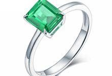 Tiaria Enchanted Emerald Engagement Ring Perhiasan Cincin Wanita Emas dan Batu Zamrud by TIARIA