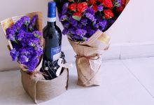 Luxe Avec Vin D Anniversaire by Floral Story Int