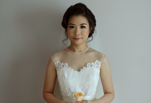 Classic wedding dress by Exme Gallery