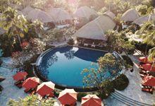 Wonderfull beach wedding at Senggigi beach - Lombok by Sudamala Resorts
